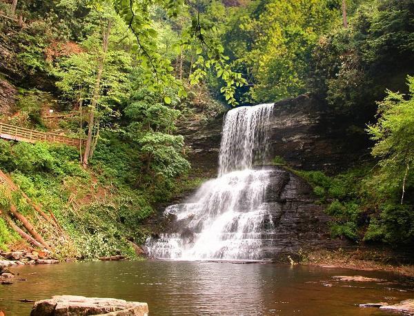 cascades waterfall spring